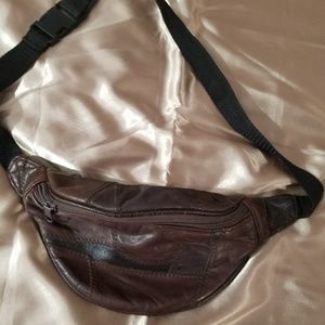 VINTAGE Leather Fannypack